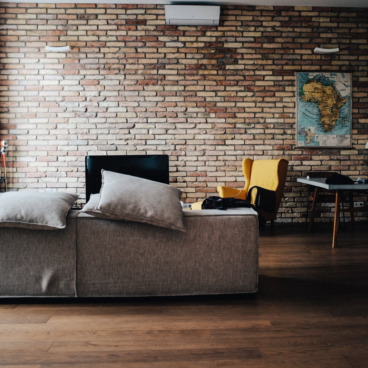 Feature Wall Design - Brick Feature Wall 05
